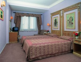 Romance Hotel Twin Room Picture