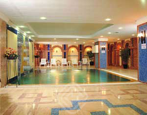 The Madison Hotel Swimming Pool Picture