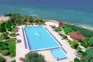 Babaylon Hotel cesme Izmir swimming pool picture