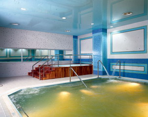 Crowne Plaza Hotel Izmir hotel thermal pool picture