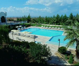 Richmond Spa hotel pamukkale swimming pool picture